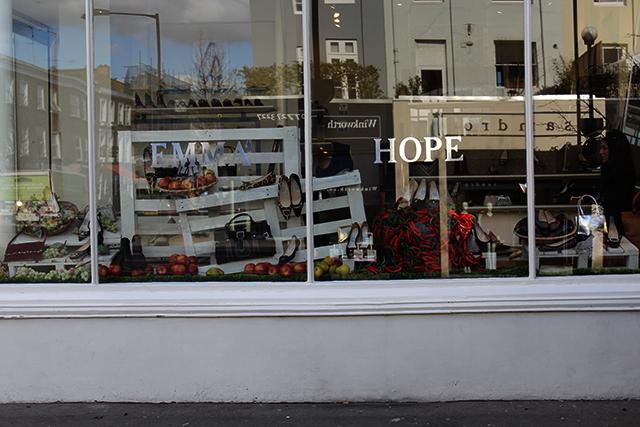 Emma Hope vitrina