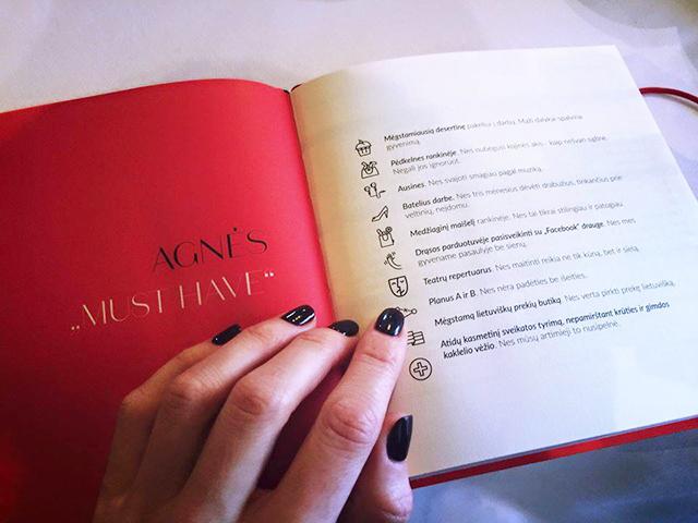 """VMG leidinio """"Ikona"""" darbo knyga (nuotrauka – iš """"Ikonos"""" feisbuko puslapio)"""