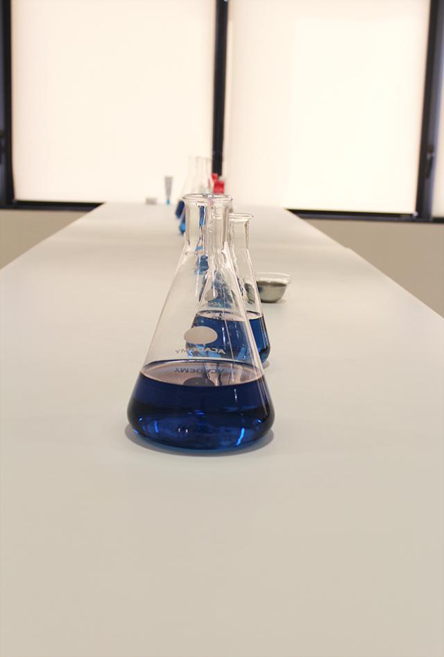 Stalas laboratorijoje